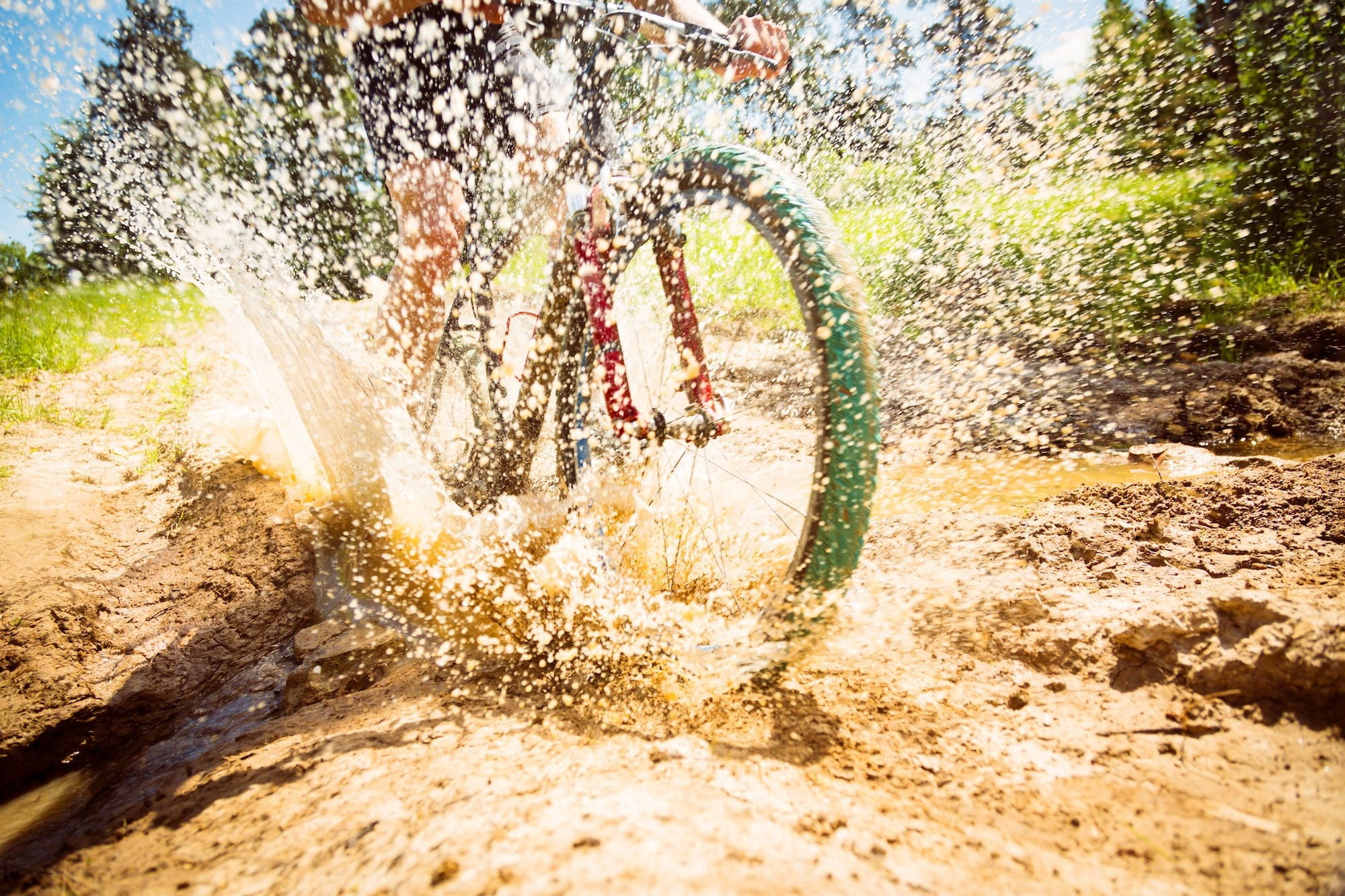 cleaning mountain bike